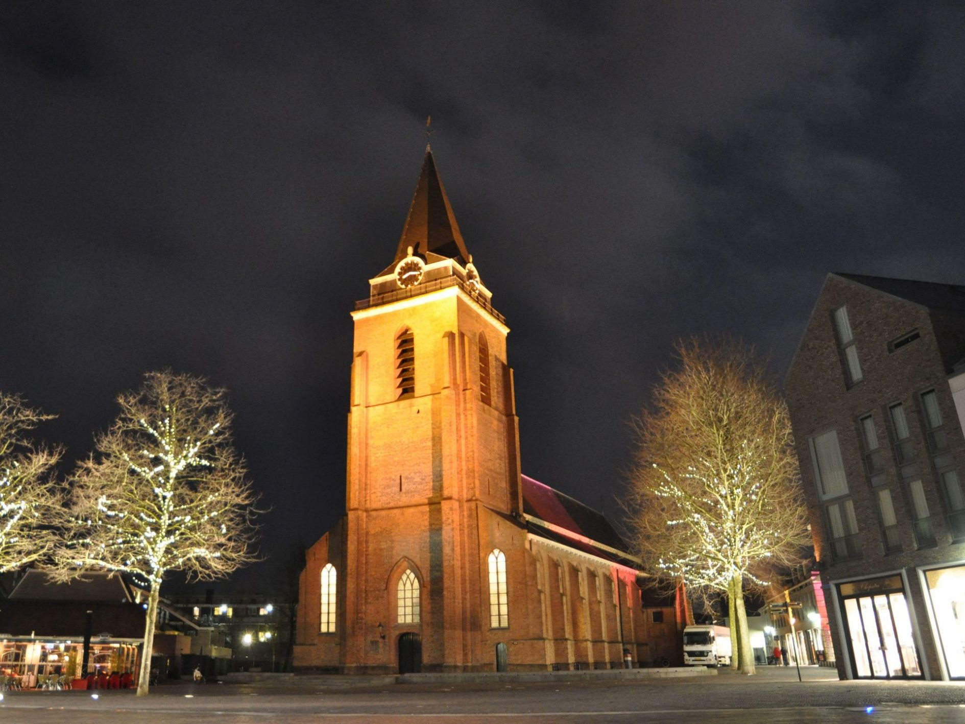 24 dec 21.30 kerstnachtdienst in de Petruskerk