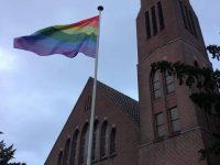 Regenboogviering Opstandingskerk