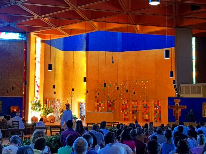 Taizévieringen tijdens de openstelling Opstandingskerk op vrijdagavonden in de zomer
